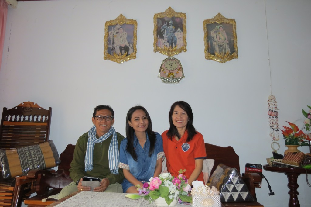 Gung with her parents: our gracious hosts for Fri & Sat Nights