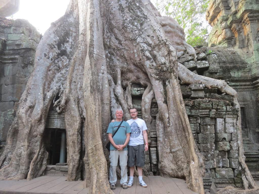 """Ta Phrom: The """"Tomb Raider"""" Temple"""